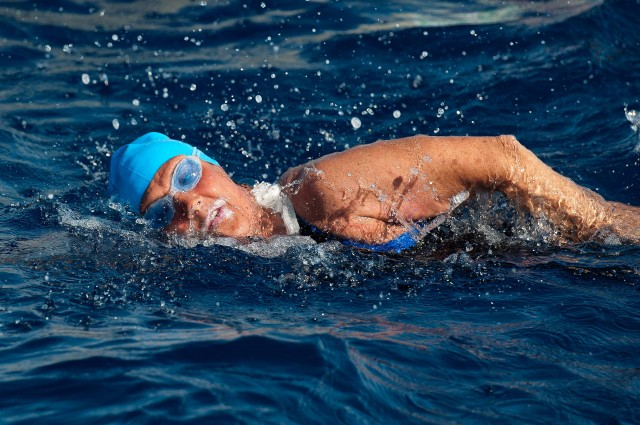 Diana Nyad during her 2011 Cuba to Florida attempt (Mike Lewis / Ola Vista Photography)