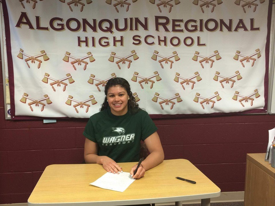 2012 Dominican Olympian Dorian McMenemy Signs With Wagner College