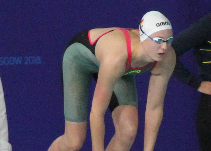 Isabel Gose Drops 9.4 Seconds to Win 800 Free And Earns Olympic Qualifying Time