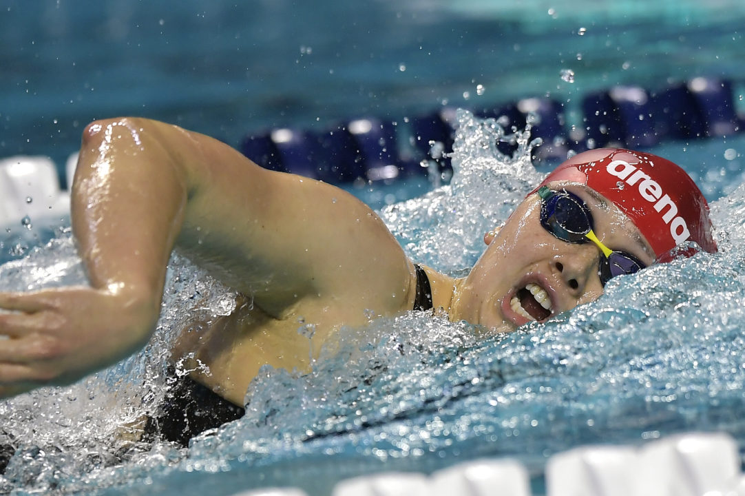 Siobhan Haughey Hits 1:54.8 In 200 Free, World's #3 Time This Season