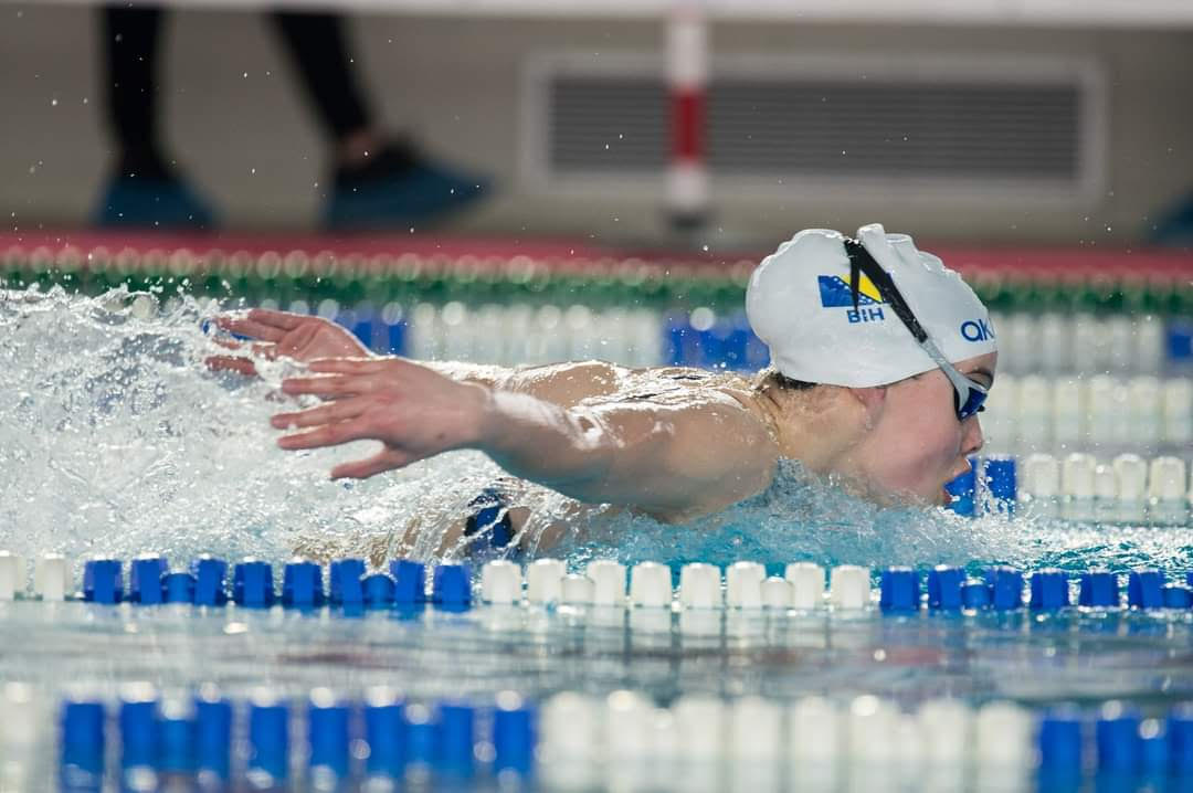 15-Year Old Lana Pudar of Bosnia Swims 57.37 in 100 Butterfly