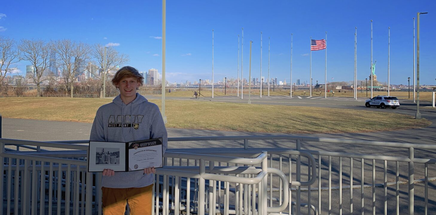 Winter Juniors Qualifier Clayton Bernauer Chooses Army West Point for 2021