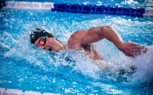 Swim of the Week: Brendon Smith Upsets Seto To Win 400 IM At Play-In Match